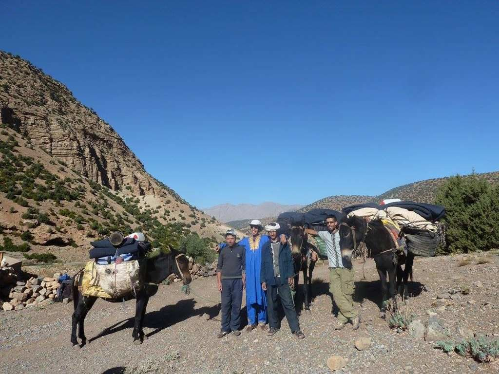 vallee des roses zouit et heureuse0 du voyage au maroc