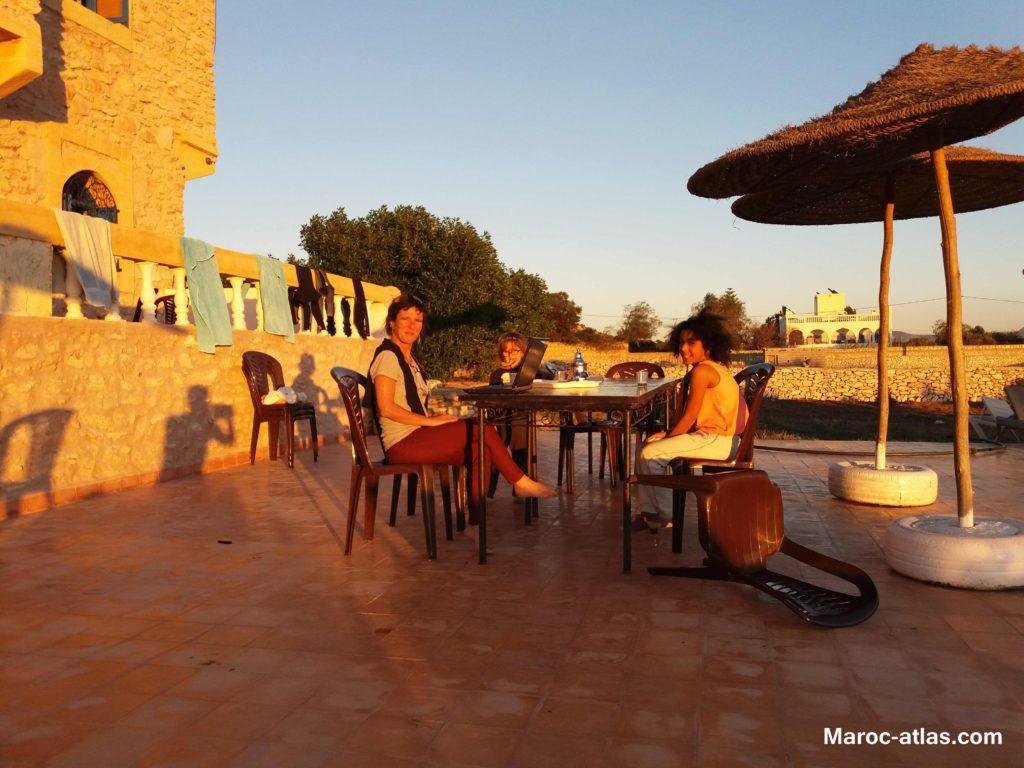 The à l'éxterieur au coucher de soliel à Essaouira-Janvier 2018